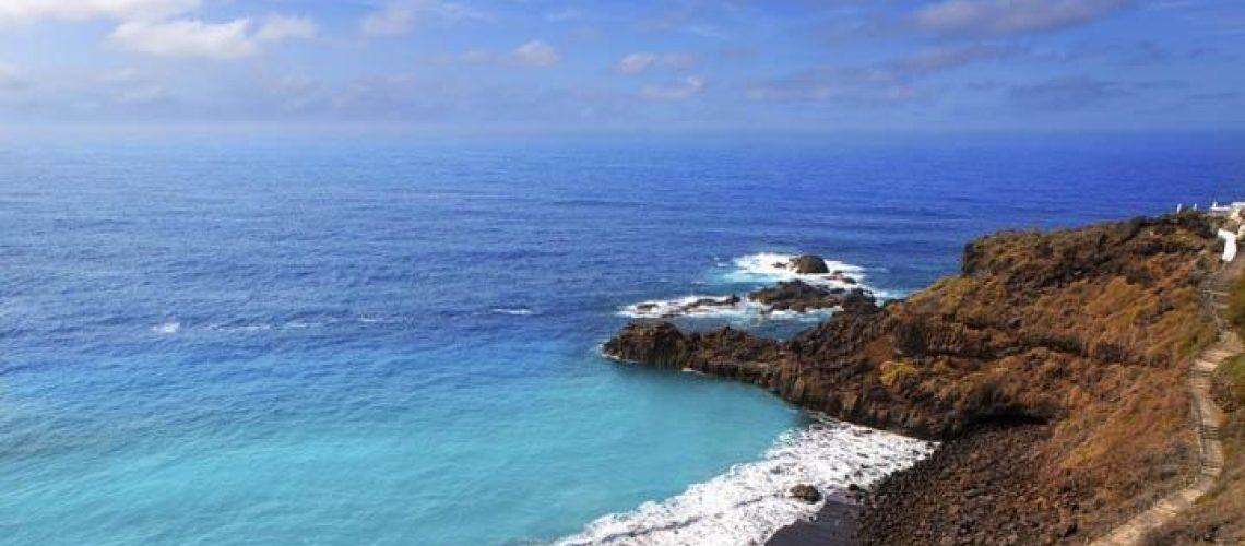 spain_tenerife_el_bollullo_beach_canary_islands_thinkstockphotos-156330112